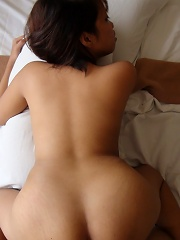 19 yr old Filipina fucks foreign tourist for the first time!