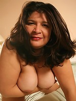 Joyful mature plumper gets rid of her sexy clothes