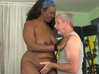 A Masseur Gives Fat Ebony Heather Mason Sex Toy Orgasms Porn Videos