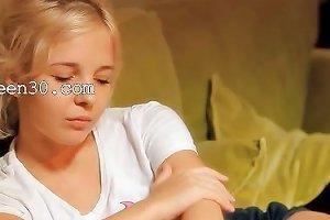18yo Innocent Teenie Rubbing Cunt Drtuber