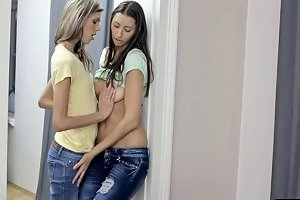 Two Skinny Teen Babes Hot Lesbian Sex With Pussy Fingering