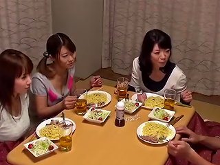 Kotatsu Is The Hangout Of The Sisters Why Do Not You Put In The Room 34 Kotatsu 34 Will Hit In The Lottery Upornia Com