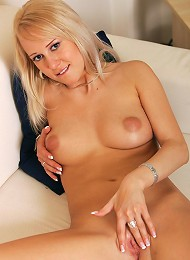 Czech honey gets naked on the couch