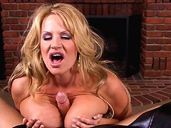 Kelly Gives Her Man The Best Half-time Show He Has Ever Had, She Slides Her Lips And Tits Up And Down On His Cock.
