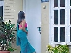 Desi Neighbour Bhabhi Flashes Young Guy