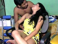 Beautiful Srilankan Married Girl With Her Partner On Webcam