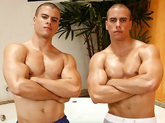 Two sexy muscle hunk posing naked