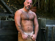 Bronson Gates is the quintessential masculine bear. the kind of ass that makes fall to your knee and worship. Go ahead and worship that amazing ass, n