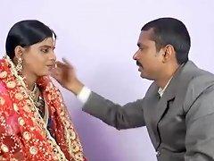 Desi Bhabhi Shadi Ke Bad Suhagrat Pati Ke Sath Usemypussy Com Porn Video 761