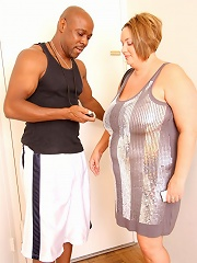 This beautiful BBW babe was trying to sweat out her frustrations and wanted to slim down. Those dangerous curves and fat ass