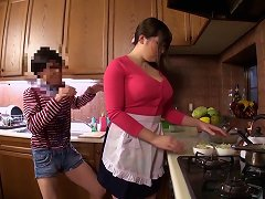 Voluptuous Japanese Housewife Bathes With A Guy