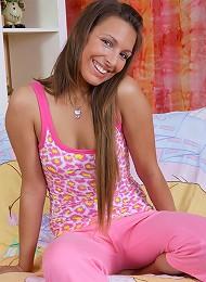 Tanned Hottie Sucks Huge Cock Like A Lollipop Teen Porn Pix