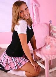 Karen Spreads In A Pink Tartan Skirt Teen Porn Pix