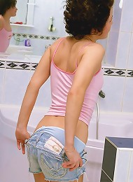 Girl Cleaning Her Dirty Hot Body Teen Porn Pix