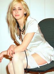 Young Gorgeous Nurse Teen Porn Pix