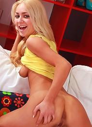 Horny Blonde Undressing Her Body Teen Porn Pix
