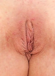 Teenager Loves Petting Bald Pussy Teen Porn Pix