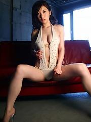 Incredible sexy gravure idol babe steams in her white bikini