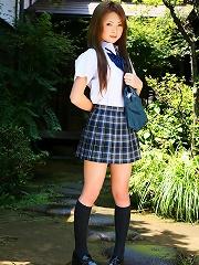 Cutie Japanese School Girl Marimi Natsuzaki