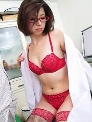 Kaoru Natsuki Asian with bee stings licks boner and is screwed